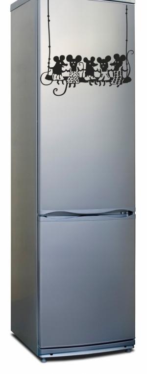наклейка на холодильник - Веселая компания
